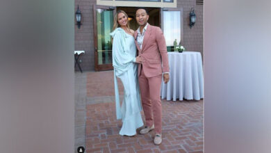 Photo of John Legend shows off his 'good Instagram husband' skills