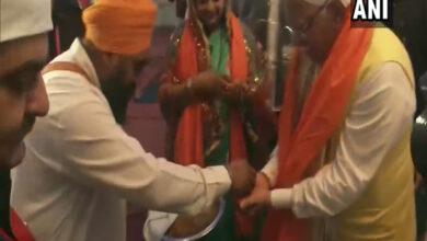 Photo of Khattar visits Gurudwara ahead of 'Jan Aashirwad Yatra'