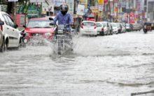 Heavy Rain lashes Hyderabad on Thursday
