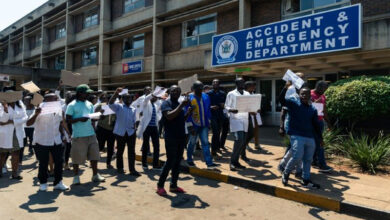 Photo of Zimbabwe doctors' labour leader 'kidnapped'during strikes: union