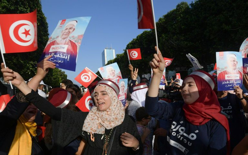 Tunisia heads to polls for keenly fought presidential contest