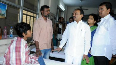 Photo of Health Minister Etela visits Fever Hospital