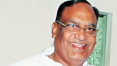 Photo of Satyavathi Rathod hails Gutha