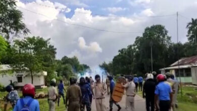 Photo of Policemen, BJP workers injured during clashes in Cooch Behar