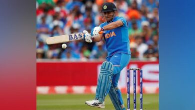 Sakshi Singh scotches rumours of Dhoni's retirement