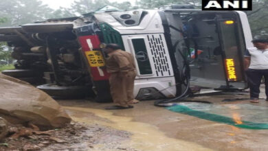 Photo of HP: Three injured as bus overturns in Mandi district