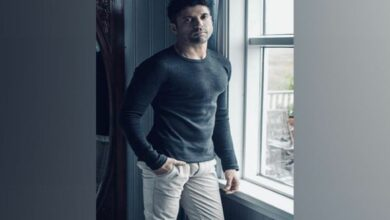 Photo of Farhan Akhtar suffers 'boxing injury' while shooting for 'Toofan