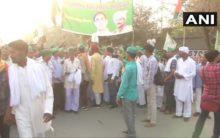 UP farmers begin march towards Kisan Ghat in Delhi