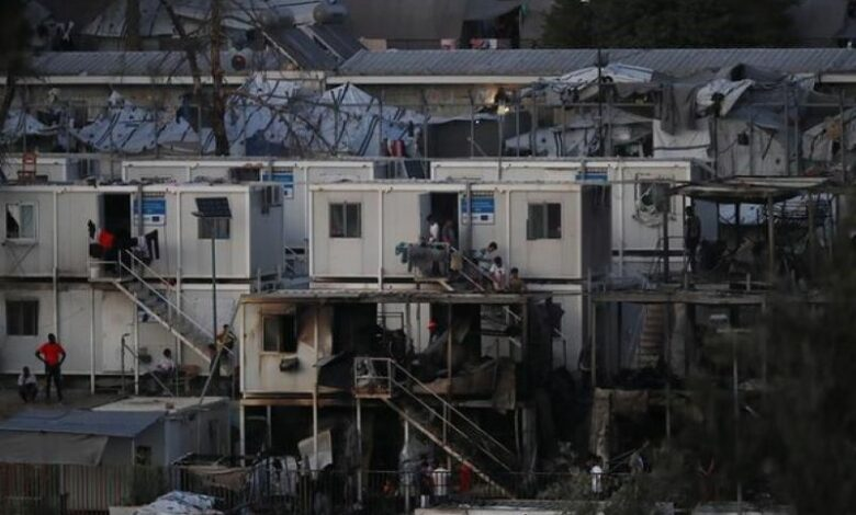 Greece: Migrants set fire to refugee camp; 2 killed