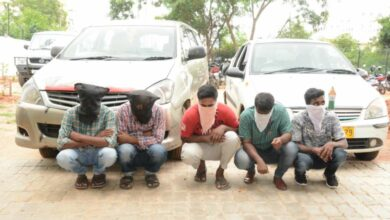 Photo of Hyderabad:Men posing as cops, robbing people on highways, nabbed