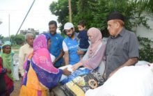 Irfan donates food to needy, says giving is a way of life
