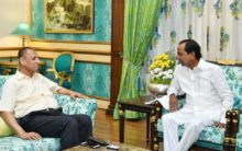 KCR confers with outgoing Governor Narasimhan