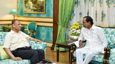 Photo of KCR confers with outgoing Governor Narasimhan