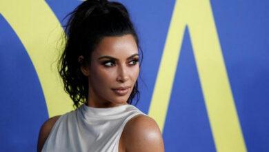 Photo of Kim Kardashian deletes cosy snap with Kanye West
