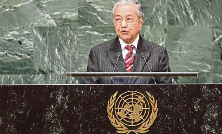 Malaysian PM refuses to retract comment on J&K
