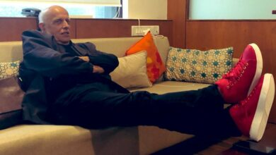 Photo of Daughter Pooja rubbishes Mahesh Bhatt's death rumours