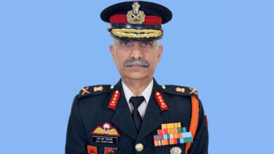 Photo of Manoj Mukund Naravane takes charge as VC of Army staff