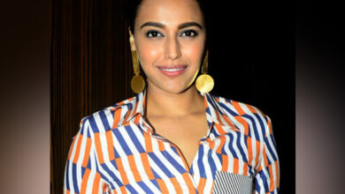 Photo of Swara Bhaskar accuses BJP MP of 'liking' indecent comment