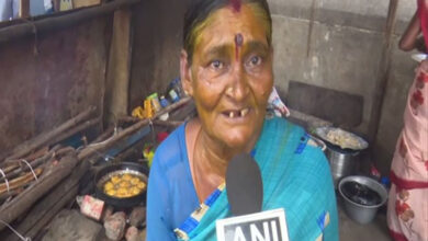 Photo of This 70-year-old Tamil Nadu Woman serves idlis to poor for free