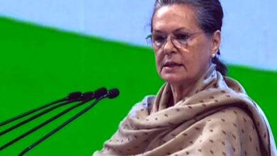 Photo of Sonia accepts Hasina's invitation to visit Bangladesh