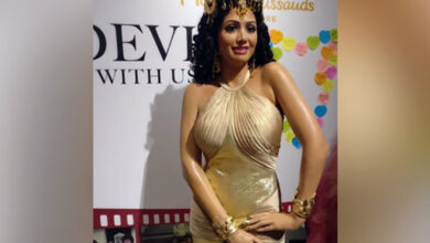 Photo of Boney, Janhvi, Khushi unveil Sridevi's wax figure at Madame