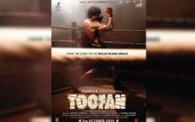 Farhan Akhtar flaunts chiselled body in first look from 'Toofan'