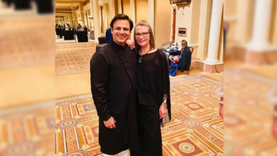 Photo of Vivek Oberoi 'fanboy moment' with Bond girl Maud Adams