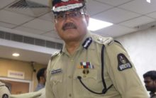 Keep parents informed while travelling, advises CP to girls