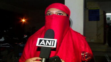 Photo of Woman pleads for justice after husband gives 'triple talaq'