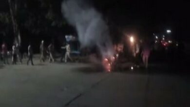 Photo of Man sets bike on fire after being issued challan
