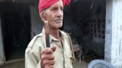 Photo of Ghaziabad: 91-year-old watchman asks for monetary help from govt