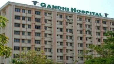 Photo of Etala, Talasani visit Gandhi Hospital, slam Congress