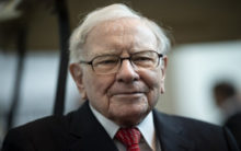 World economy on crossroads: Warren Buffet sitting on huge cash