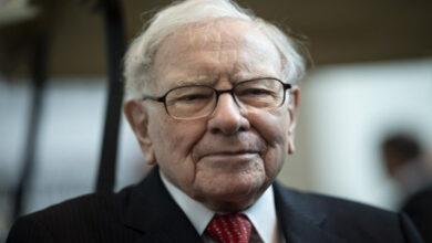 Photo of World economy on crossroads: Warren Buffet sitting on huge cash