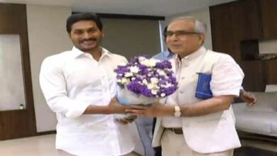 Photo of Andhra CM meets Niti Ayog VC; seeks Centre's help for development