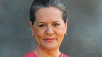 Photo of Sonia meets Kamal Nath, voices concern over infighting