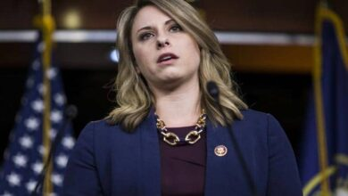 Photo of US lawmaker accused of relationship with staffer resigns