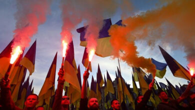 Photo of Thousands of Ukrainians march against a troop pullback