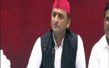 Akhilesh snubs Shivpal, rules out alliance