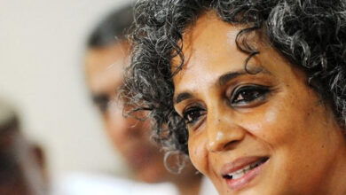 Photo of Kashmiris should be independent, not caged: Arundhati Roy