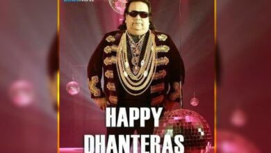 Photo of Rishi Kapoor wishes 'Happy Dhanteras' with Bappi Lahiri photo