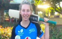 Adelaide Strikers sign 16-year-old Darcie Brown for WBBL