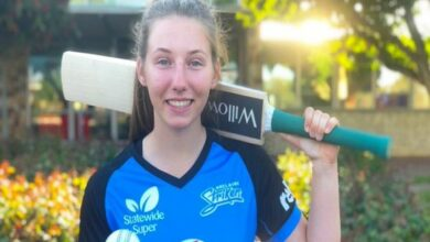 Photo of Adelaide Strikers sign 16-year-old Darcie Brown for WBBL