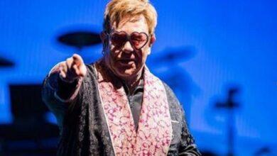 Photo of Elton John cancels Indianapolis concert due to illness