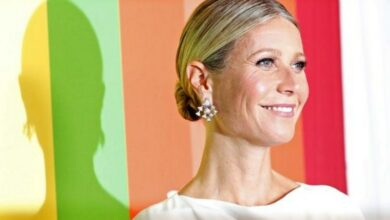 Photo of Gwyneth Paltrow receives courage award at amFAR's annual gala