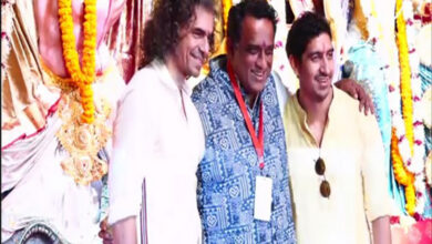 Photo of B-Town celebrities show up Durga Puja celebration