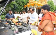 KCR offered Puja on 'Vijay Dashmi'