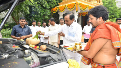 Photo of KCR offered Puja on 'Vijay Dashmi'