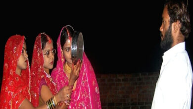 Photo of 3 sisters observe Karwa Chauth for their single husband