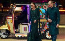 Pak: Kate Middleton, Prince William hitch a ride in a rickshaw